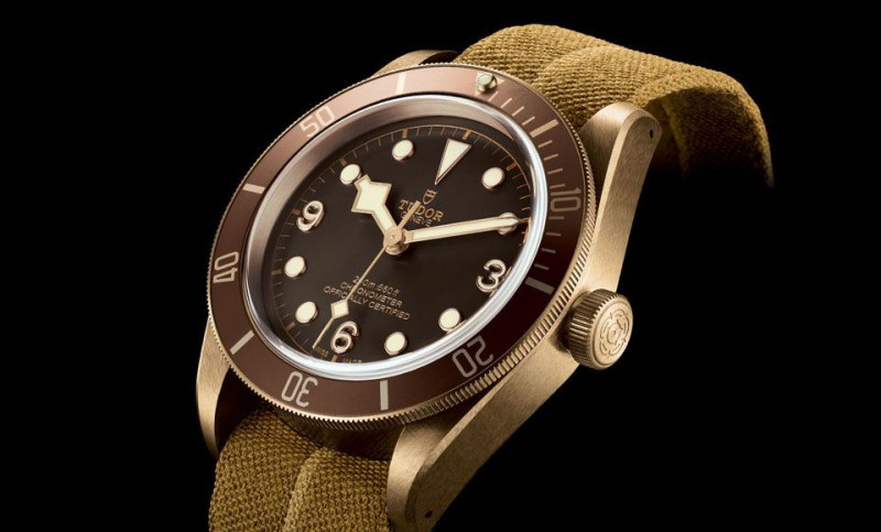 Tudor-Heritage-Black-Bay-Bronze-79250BM-Manufacture-Movement-chronometer-Baselworld-2016-5-960x580